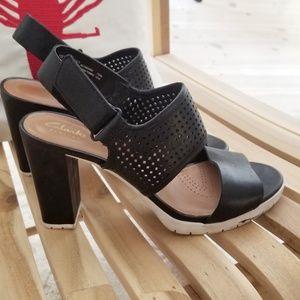 CLARKS comfort heels black Pastina Malory sandals